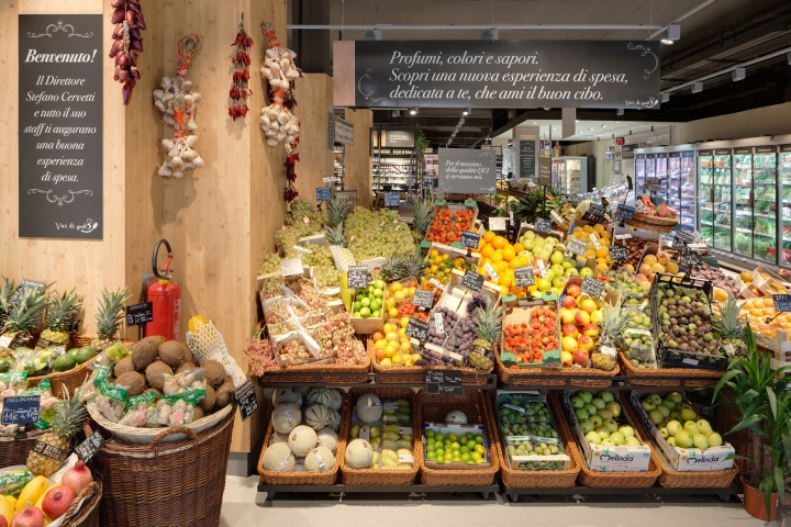Carrefour-Gourmet-Market-by-Interstore-Design-and-Schweitzerproject-Milan-Italy-05